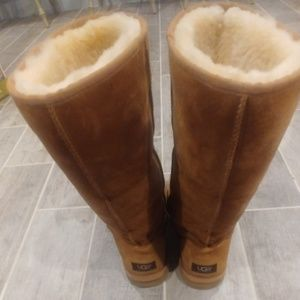 WOMEN'S UGGS - TALL BOOTS - SIZE 11